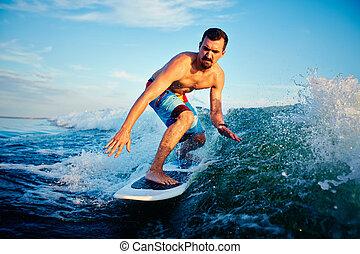 나이 적은 편의, surfboarder