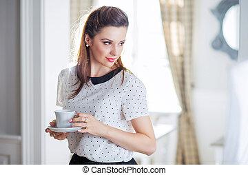남자가 멋을 낸, 와..., 우아한, 숙녀, 마시는 커피
