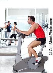남자, 통하고 있는, 움직이지 않는 자전거, 에, 스포츠, 적당, 체조