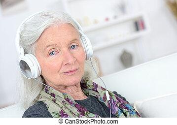 노인, 와, 헤드폰, 통하고 있는