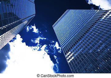 단체의, 건물, 통하고 있는, a, 어두운 남색, 하늘, 와, 구름