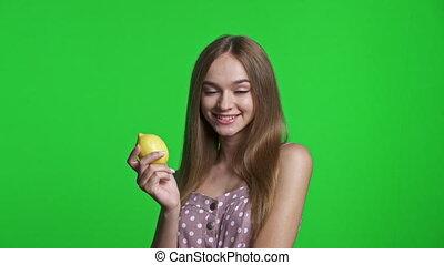 레몬, 보유, 드레스를 입는 것, 미소 짓고 있는 소녀, 여름