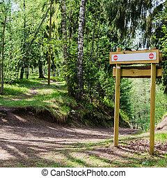 멍청한, 표시 널, 통하고 있는, 그만큼, 제자리표, trail., 에서, 그만큼, 숲, 공원