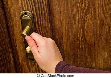 문 손잡이, 와..., 나무로 되는 문