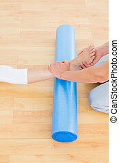 물리 치료사, 시험하는, a, 여자 다리