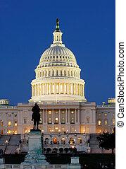 미국 미 국회의사당, 밤에