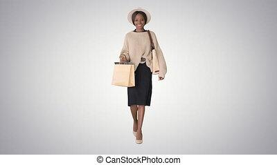 미국 영어, african, 행복하다, 걷기, 경사, 쇼핑하고 있는 여성, 배경., 나이 적은 편의