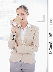 미소, 블론드, 여자 실업가, 마시는 커피