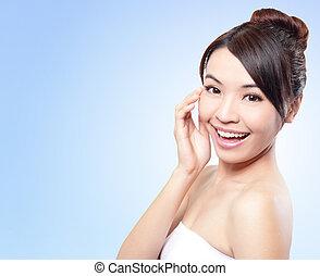미소, 여성 얼굴