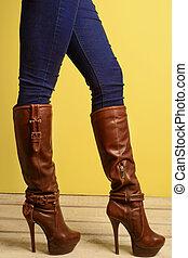 민첩한, 소녀, 에서, 갈색의, 높 뒤축을 대는, 시동, 와..., jeans