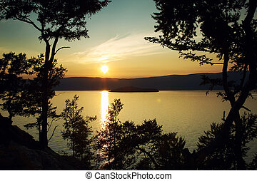 밤, 조경술을 써서 녹화하다, 향하여, a, 하락하다, 바이칼 호수