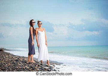 백색, 여자, 나이 적은 편의, 바닷가