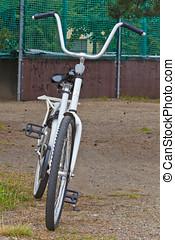 백색, 자전거