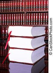 법률이 지정하는, 책, #16