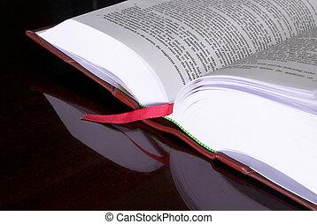 법률이 지정하는, 책, #6
