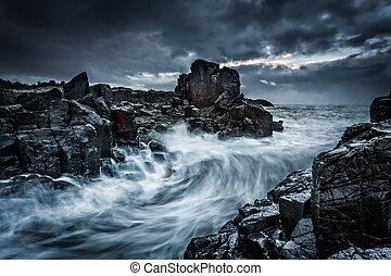 변덕스럽다, 극적인, 하늘, 와..., 큰, 파도, 충돌, 위에, 근해의, 바위