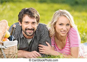 봄, picnic., 남을 사랑하는, 젊음 한 쌍, 즐기, a, 공상에 잠기는, 피크닉, park에게서, 함께