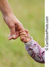 부모, 은 붙들n다, 그만큼, 손, 의, a, 작은 아이
