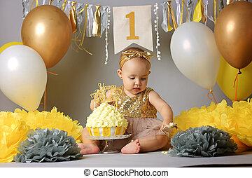 분쇄, 소녀, 아기, 생일 케이크, 처음