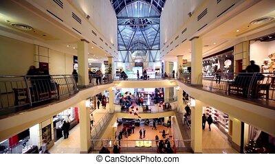 사람, 걷다, 계속 앞으로, 가게, 와..., 다른, 앉다, 벤치, 통하고 있는, 배수, 마루, 무역 센터
