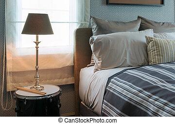 사치, 램프, 통하고 있는, 침대 곁의 테이블, 에서, 유행, 침실, 내부