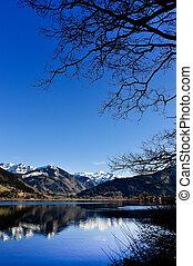 산 호수, 조경술을 써서 녹화하다, 보이는 상태, 와, 나무, 와..., 산, 반사