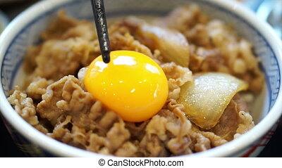 살갗이 벗어진, 달걀 노른자, 통하고 있는, asian 음식