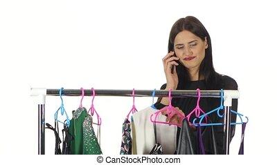 상점, 선정, 말하는 것, 전화., 백색, 소녀, 은 옷을 입는다