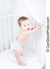 서 있는, 귀여운, 거의, 어린이 침대, 기저귀, 아기