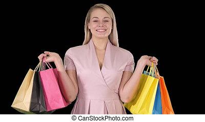 서 있는, 쇼핑 백, 전시, 젊음 봄, 카메라, 남자가 멋을 낸, 알파, 숙녀, 흥분한다, 수로