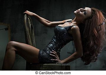 성적 매력이 있는, 의자, 여자, 자세를 취함