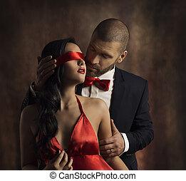 성적 매력이 있는, 한 쌍, 사랑, 키스, 남자, 에서, 한 벌, 키스하는 것, 음탕한, 여자, 빨강, 유행, 눈을 가림, 통하고 있는, 소녀, 눈