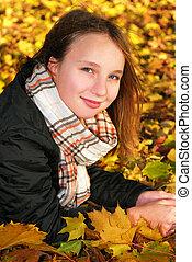 소녀, 에서, a, 가을, 공원