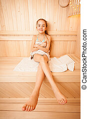 소녀, 와, 긴 다리, 착석, 통하고 있는, 타월, 에, 사우나