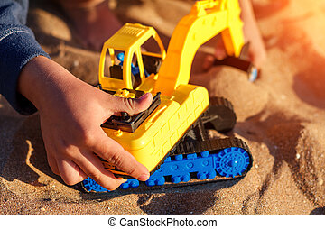 소년, 노는 것, 와, 장난감, 모래안에