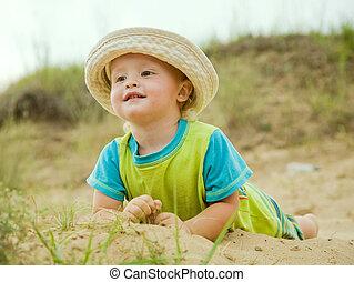 소년, 에서, 모자, 에, 모래 바닷가