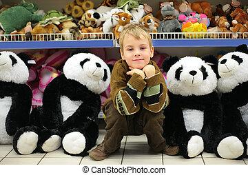 소년, 에서, 장난감, 상점