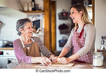 손녀, 나이 먹은, baking., 할머니, 성인, 가정