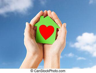 손, 보유, 녹색, 종이, 집, 와, 심혼 모양