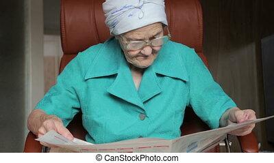 신문, 여자, 늙은, 독서
