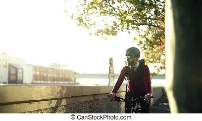 실업가, 통근자, 와, 전기, 자전거, 여행, 에서, 일, 에서, city., 대범한, motion.