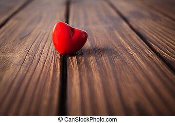심혼, 연인 날, 배경