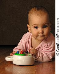 아기에, 장난감