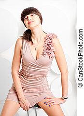 아름다운, 소녀, 에서, a, 분홍색의 드레스, 통하고 있는, a, 하얀 벽