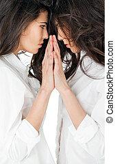 아름다운, 쌍둥이 여아, 거울