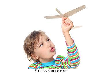 아름다운, 어린 소녀, 에서, 은 셔츠를 줄무늬로 했다, 노는 것, 와, 나무의 장난감, 비행기, 고립된,...