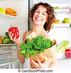 아름다운 여성, 건강한, 나이 적은 편의, 음식, 냉장고