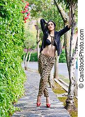 아름다운 여성, 모델, 의, 유행, 입는 것, 표범, 바지