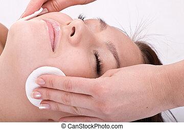 아름다운 여성, 에서, spa., 얼굴 마사지, massage.