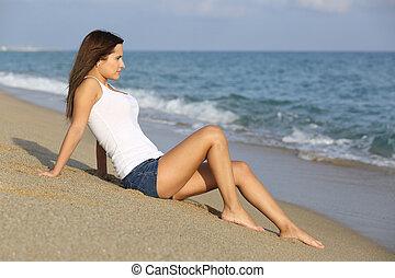 아름다운 여성, 착석, 모래에, 의, 그만큼, 바닷가, 봄, 그만큼, 바다